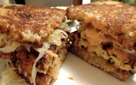 vegan tempeh reuben sandwich