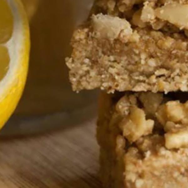 Nussili lemon crumb cake